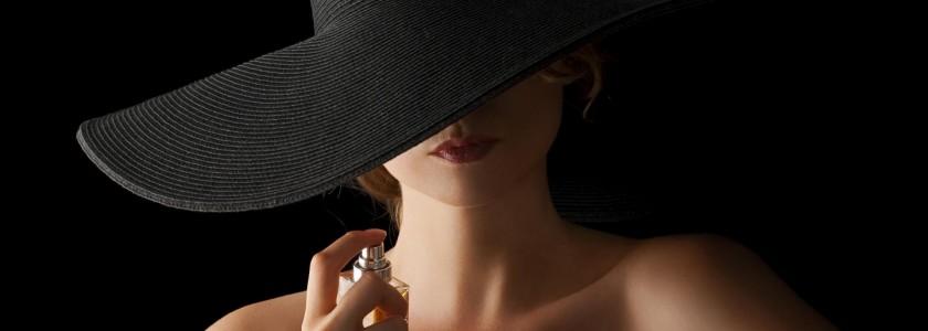 beautistas-femme-parfum-chapeau-e1432280716181-1